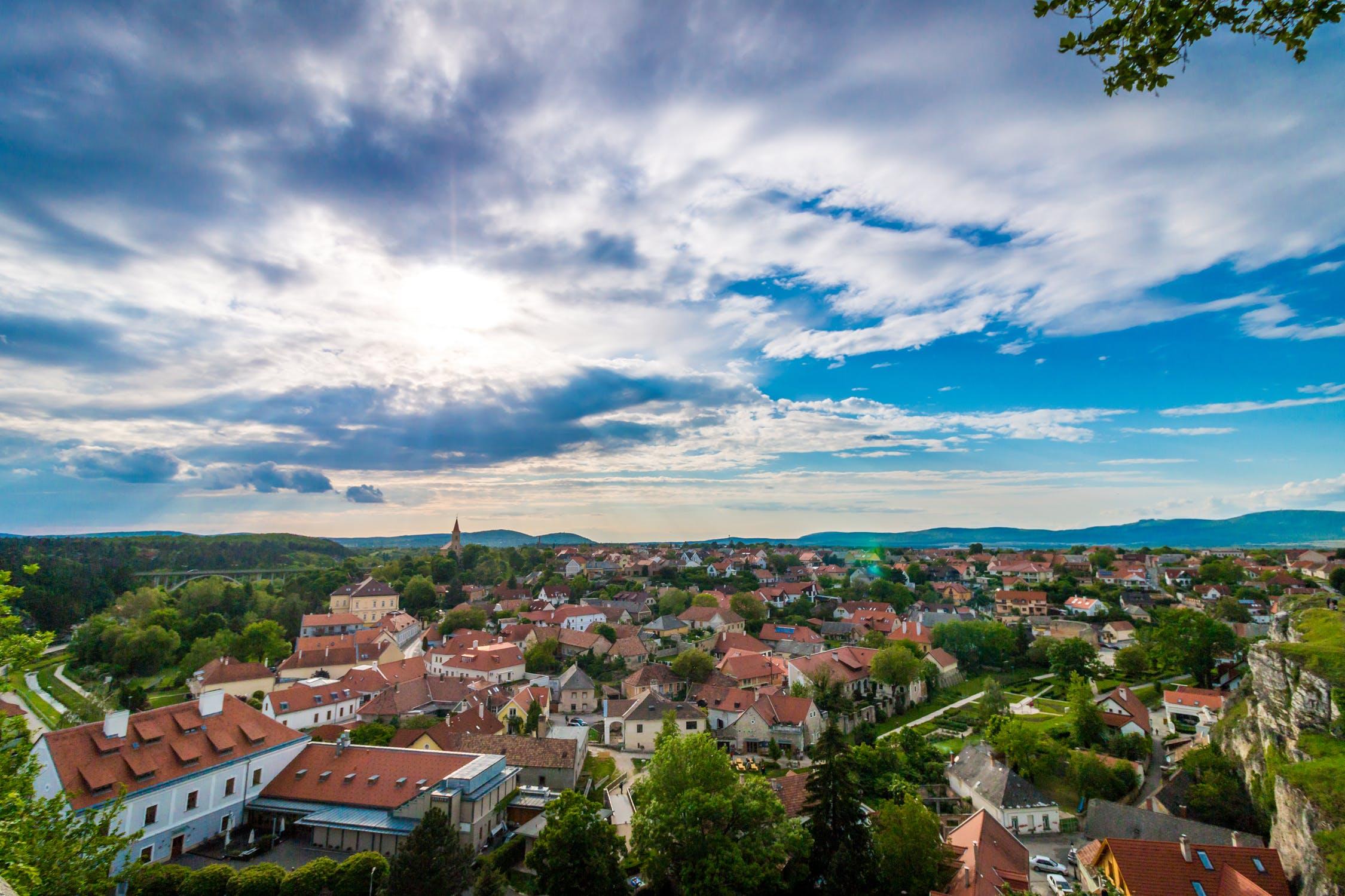 EFFICIENZA ENERGETICA: ASSEGNATI OLTRE 500 MILIONI DI EURO AI COMUNI